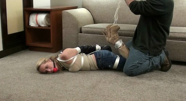 Cadence-Jeans-Beige-Boots--mp4-HD.mp4__