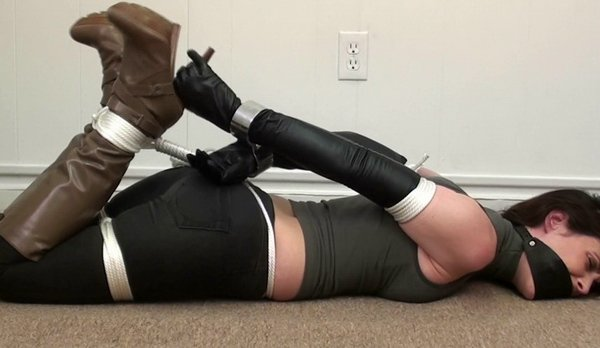 Tillyheavy Steel Cuffs, Leather Gloves And Boots Hd -3368