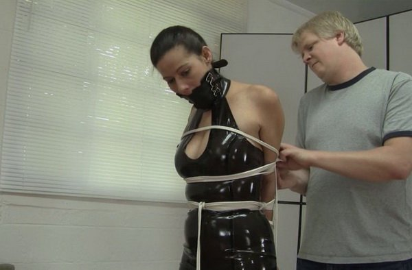 SP_LatexTie.mp4---