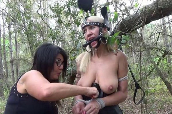 Outdoor fuck leads to messy cumshot 9