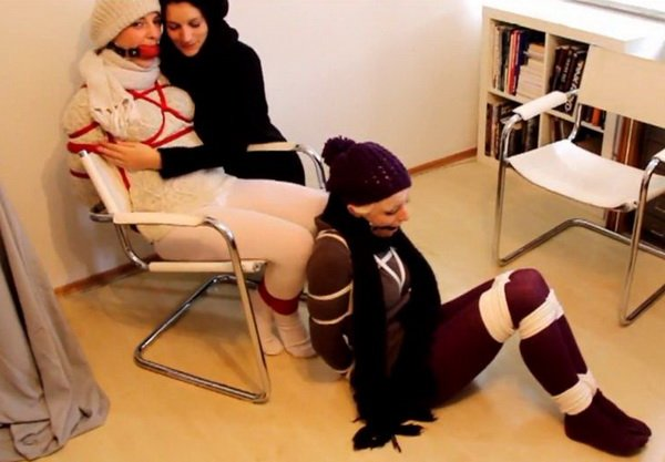 aaw_012_3woolGirls.mp4----