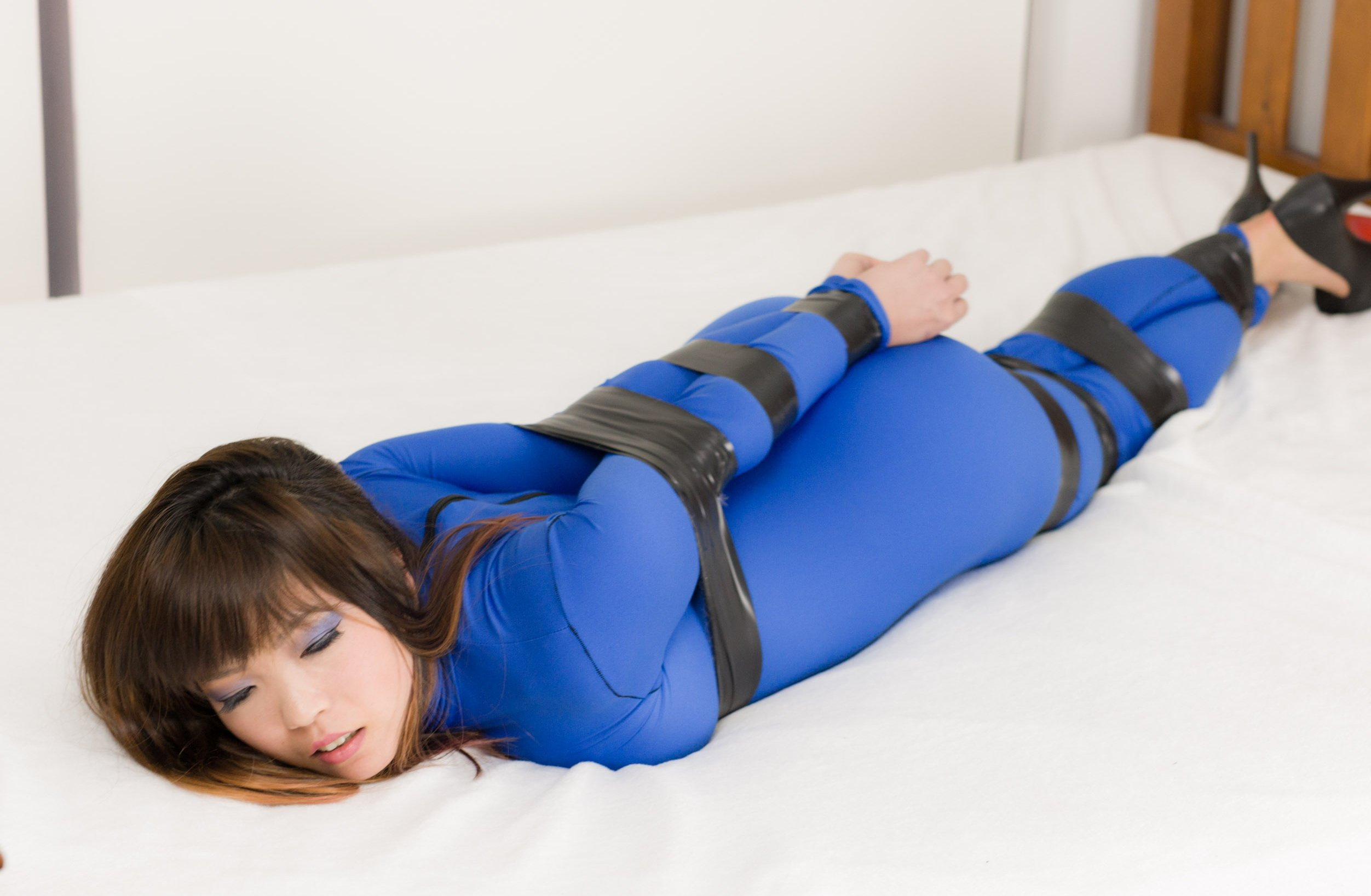 Safe asian free bondage photos