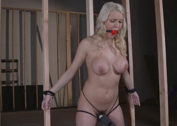 Blonde slut has huge orgasm