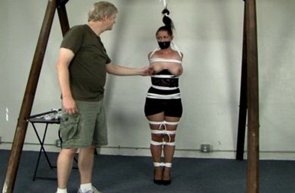 bondage standing neck stretched