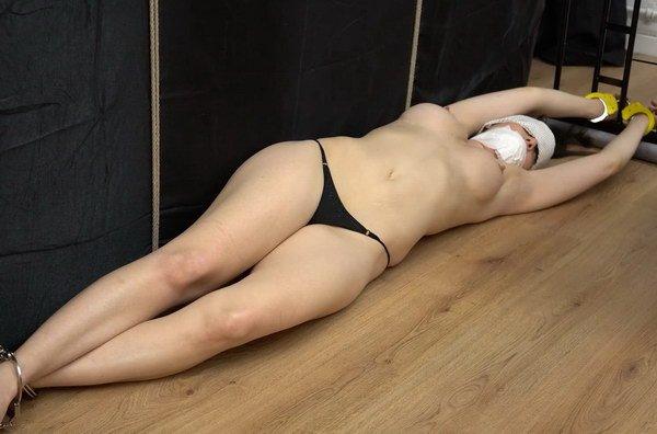 Apologise, Women handcuffs leg irons bondage recommend you