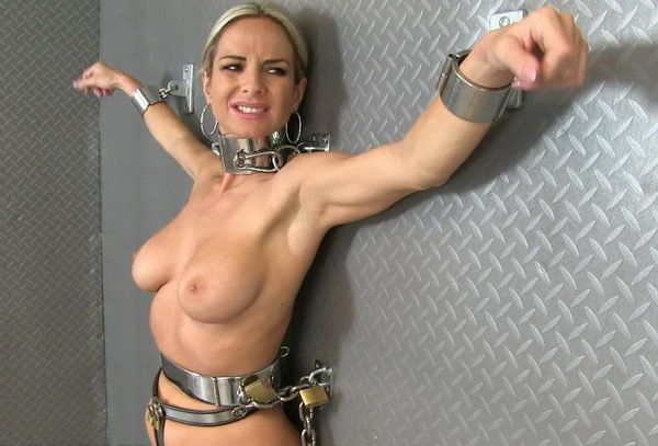 Wall handcuff bdsm