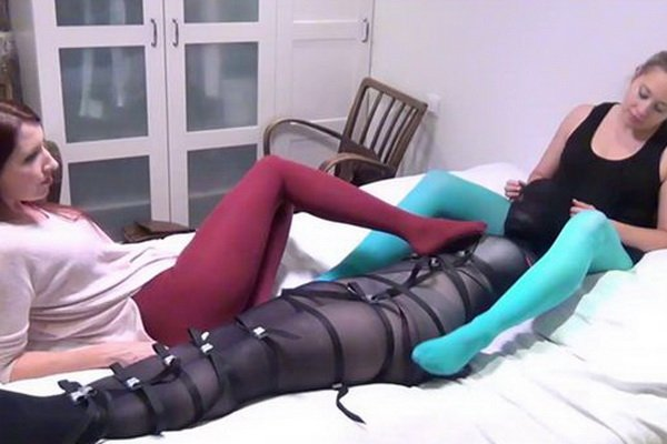 Long Fun with pantyhose for