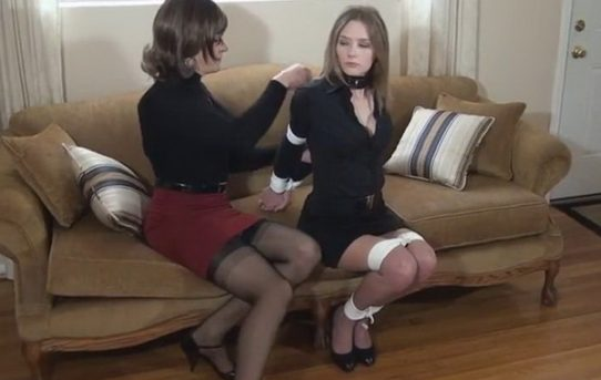 Annabelle lee and valentine share toys and fun today - 1 part 1