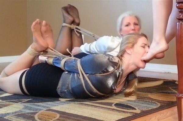 Sexy Feet Worship Lesbian