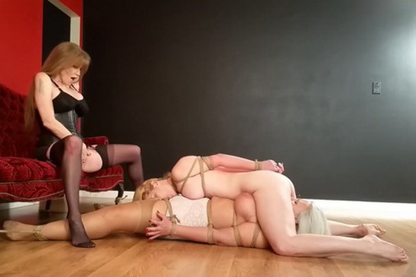 Have lesbian oral sex video bondage