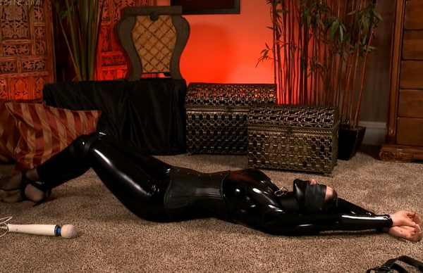 Arielle Lane Leather Bondage Wmbcv 1203 Hd Bondage Cafe